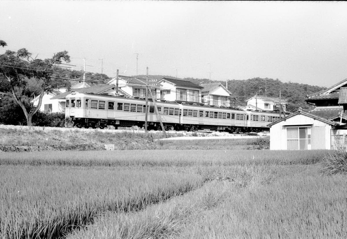 神戸電鉄粟生線800系三木付近
